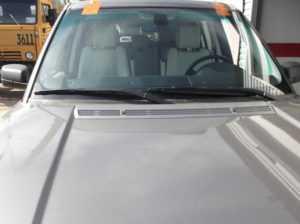 Замена лобового стекла Land Rover